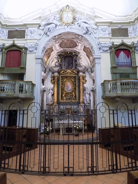 La chiesa del Buon Gesù di Orvieto. Le opere e la decorazione interna: una lettura tra arte efede